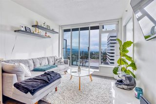 """Photo 3: 2606 5665 BOUNDARY Road in Vancouver: Collingwood VE Condo for sale in """"WALL CENTRE CENTRAL PARK TOWER II"""" (Vancouver East)  : MLS®# R2508842"""