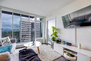 """Photo 4: 2606 5665 BOUNDARY Road in Vancouver: Collingwood VE Condo for sale in """"WALL CENTRE CENTRAL PARK TOWER II"""" (Vancouver East)  : MLS®# R2508842"""