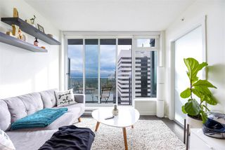 """Photo 2: 2606 5665 BOUNDARY Road in Vancouver: Collingwood VE Condo for sale in """"WALL CENTRE CENTRAL PARK TOWER II"""" (Vancouver East)  : MLS®# R2508842"""