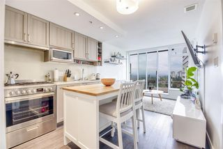 """Photo 7: 2606 5665 BOUNDARY Road in Vancouver: Collingwood VE Condo for sale in """"WALL CENTRE CENTRAL PARK TOWER II"""" (Vancouver East)  : MLS®# R2508842"""