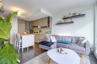 """Photo 6: 2606 5665 BOUNDARY Road in Vancouver: Collingwood VE Condo for sale in """"WALL CENTRE CENTRAL PARK TOWER II"""" (Vancouver East)  : MLS®# R2508842"""