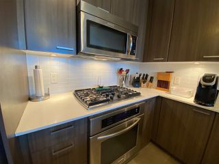 Photo 6: 404 2789 SHAUGHNESSY STREET in Port Coquitlam: Central Pt Coquitlam Condo for sale : MLS®# R2493095