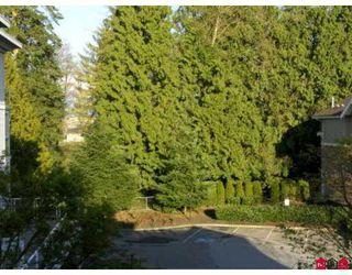 "Photo 3: 8976 208TH Street in Langley: Walnut Grove Condo for sale in ""Oakridge"" : MLS®# F2707851"