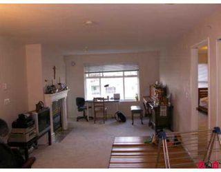"Photo 2: 8976 208TH Street in Langley: Walnut Grove Condo for sale in ""Oakridge"" : MLS®# F2707851"