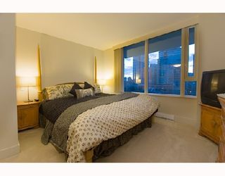 """Photo 3: # 807 590 NICOLA ST in Vancouver: Coal Harbour Condo for sale in """"CASCINA"""" (Vancouver West)  : MLS®# V745320"""