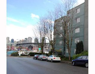 "Photo 3: 506 1510 W 1ST Avenue in Vancouver: False Creek Condo for sale in ""MARINER POINT"" (Vancouver West)  : MLS®# V691019"