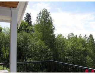 """Photo 2: 3777 LAUREN Court in Abbotsford: Abbotsford East House for sale in """"Sandyhill"""" : MLS®# F2814862"""