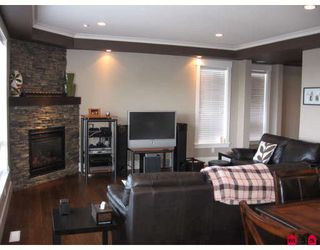 """Photo 5: 3777 LAUREN Court in Abbotsford: Abbotsford East House for sale in """"Sandyhill"""" : MLS®# F2814862"""