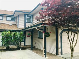"""Main Photo: 9 2561 RUNNEL Drive in Coquitlam: Eagle Ridge CQ Townhouse for sale in """"CAMBRIDGE COURT"""" : MLS®# R2401616"""