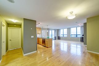"Photo 6: 3006 4333 CENTRAL Boulevard in Burnaby: Metrotown Condo for sale in ""Presidia"" (Burnaby South)  : MLS®# R2423050"