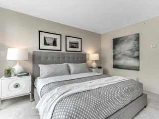 "Photo 17: 801 1383 MARINASIDE Crescent in Vancouver: Yaletown Condo for sale in ""COLUMBUS"" (Vancouver West)  : MLS®# R2504775"