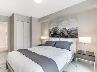 "Photo 22: 801 1383 MARINASIDE Crescent in Vancouver: Yaletown Condo for sale in ""COLUMBUS"" (Vancouver West)  : MLS®# R2504775"