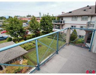 "Photo 9: 323 22150 48TH Avenue in Langley: Murrayville Condo  in ""EAGLECREST"" : MLS®# F2713670"