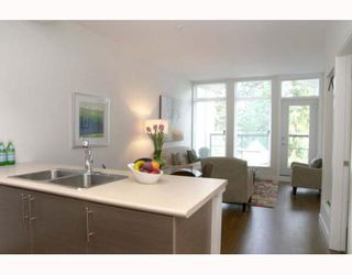 """Photo 3: 405 5692 KINGS Road in Vancouver: University VW Condo for sale in """"GALLERIA"""" (Vancouver West)  : MLS®# V652414"""