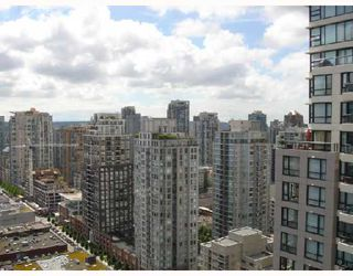 "Photo 2: 2905 909 MAINLAND Street in Vancouver: Downtown VW Condo for sale in ""YALETOWN PARK 2"" (Vancouver West)  : MLS®# V659722"