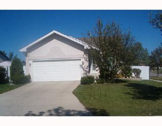 Photo 2: 134 STONEY LAKE Bay in WINNIPEG: Transcona Single Family Detached for sale (North East Winnipeg)  : MLS®# 2716234