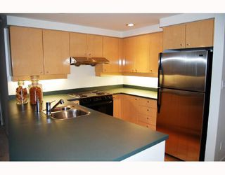 "Photo 3: 3605 1009 EXPO Boulevard in Vancouver: Downtown VW Condo for sale in ""LANDMARK 33"" (Vancouver West)  : MLS®# V684446"
