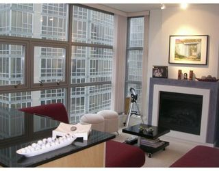 Photo 2: 1801 989 Beatty Street in Vancouver: DT Downtown Condo for sale (VW Vancouver West)  : MLS®# V620526