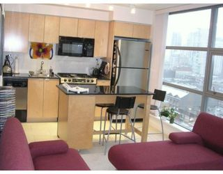 Photo 3: 1801 989 Beatty Street in Vancouver: DT Downtown Condo for sale (VW Vancouver West)  : MLS®# V620526