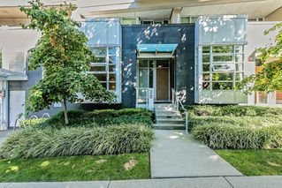 "Main Photo: 2530 SPRUCE Street in Vancouver: Fairview VW Townhouse for sale in ""SPRUCE"" (Vancouver West)  : MLS®# R2420441"
