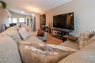 Photo 4: 63 Twickenham Circle in Winnipeg: River Park South Residential for sale (2F)  : MLS®# 202000932