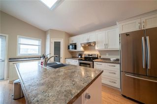 Photo 7: 63 Twickenham Circle in Winnipeg: River Park South Residential for sale (2F)  : MLS®# 202000932