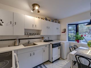 Photo 8: 438 CROSSCREEK Road: Lions Bay Townhouse for sale (West Vancouver)  : MLS®# R2434548