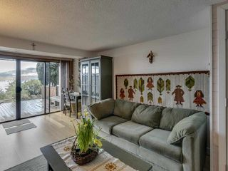 Photo 16: 438 CROSSCREEK Road: Lions Bay Townhouse for sale (West Vancouver)  : MLS®# R2434548