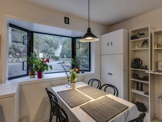 Photo 9: 438 CROSSCREEK Road: Lions Bay Townhouse for sale (West Vancouver)  : MLS®# R2434548