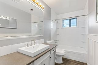 Photo 15: 4611 FORMAN Crescent SE in Calgary: Forest Heights Detached for sale : MLS®# A1024854
