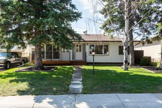 Photo 3: 4611 FORMAN Crescent SE in Calgary: Forest Heights Detached for sale : MLS®# A1024854