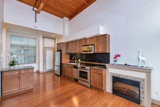 Photo 3: 204 240 Cook St in : Vi Fairfield West Condo for sale (Victoria)  : MLS®# 860364