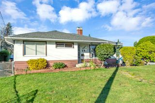 "Photo 3: 13943 KALMAR Road in Surrey: Bolivar Heights House for sale in ""bolivar heights"" (North Surrey)  : MLS®# R2520661"