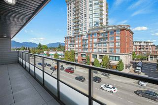 "Photo 3: PH3 3939 KNIGHT Street in Vancouver: Knight Condo for sale in ""KENSINGTON POINT"" (Vancouver East)  : MLS®# R2520833"