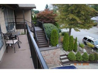 "Photo 2: 5716 TIMBERVALLEY RD in Tsawwassen: Tsawwassen East House for sale in ""TERRACE"""
