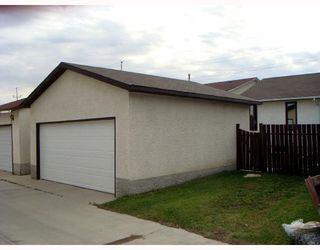 Photo 6: 128 ATWOOD Street in WINNIPEG: Transcona Single Family Detached for sale (North East Winnipeg)  : MLS®# 2714217