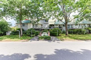 "Photo 1: 303 22275 123 Avenue in Maple Ridge: West Central Condo for sale in ""Mountain View Terrace"" : MLS®# R2389765"