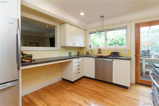 Photo 11: 1824 Chandler Avenue in VICTORIA: Vi Fairfield East Single Family Detached for sale (Victoria)  : MLS®# 413704