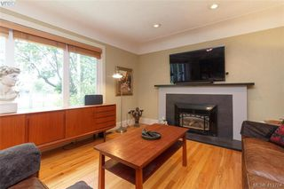 Photo 5: 1824 Chandler Avenue in VICTORIA: Vi Fairfield East Single Family Detached for sale (Victoria)  : MLS®# 413704