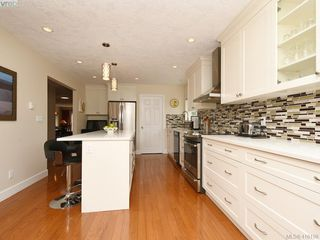 Photo 6: 5 901 Kentwood Lane in VICTORIA: SE Broadmead Row/Townhouse for sale (Saanich East)  : MLS®# 825659
