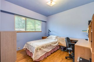 Photo 10: 969 GATENSBURY Street in Coquitlam: Harbour Chines House for sale : MLS®# R2413036