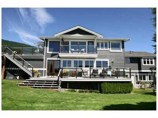 Photo 2: 459 GENOA Crescent in North Vancouver: Home for sale : MLS®# V855098
