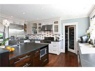 Photo 3: 459 GENOA Crescent in North Vancouver: Home for sale : MLS®# V855098