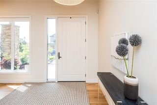 Photo 3: 697 HOWATT Drive in Edmonton: Zone 55 House for sale : MLS®# E4205647