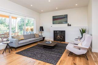 Photo 4: 697 HOWATT Drive in Edmonton: Zone 55 House for sale : MLS®# E4205647