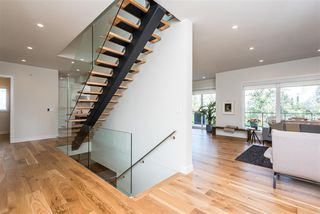 Photo 5: 697 HOWATT Drive in Edmonton: Zone 55 House for sale : MLS®# E4205647