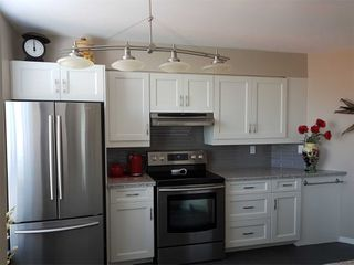 Photo 3: Ph 07 11 Thorncliffe Park Drive in Toronto: Thorncliffe Park Condo for sale (Toronto C11)  : MLS®# C4861334