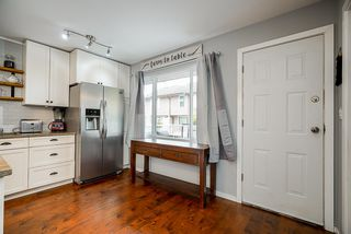 "Photo 2: 546 CARLSEN Place in Port Moody: North Shore Pt Moody Townhouse for sale in ""Eagle Point"" : MLS®# R2495097"