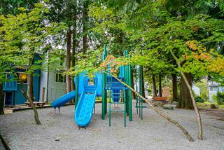 "Photo 30: 546 CARLSEN Place in Port Moody: North Shore Pt Moody Townhouse for sale in ""Eagle Point"" : MLS®# R2495097"
