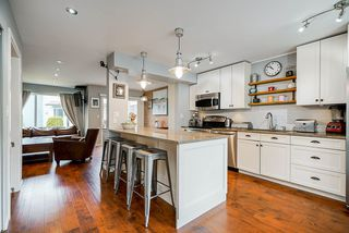 "Photo 3: 546 CARLSEN Place in Port Moody: North Shore Pt Moody Townhouse for sale in ""Eagle Point"" : MLS®# R2495097"